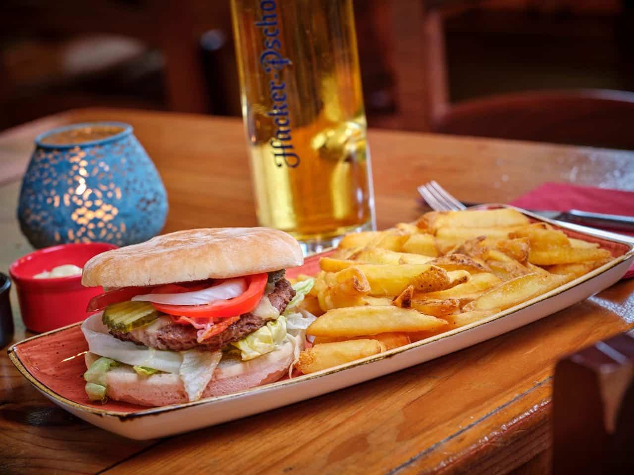 Burger - El Puente – Mexikanisches Restaurant Oberammergau